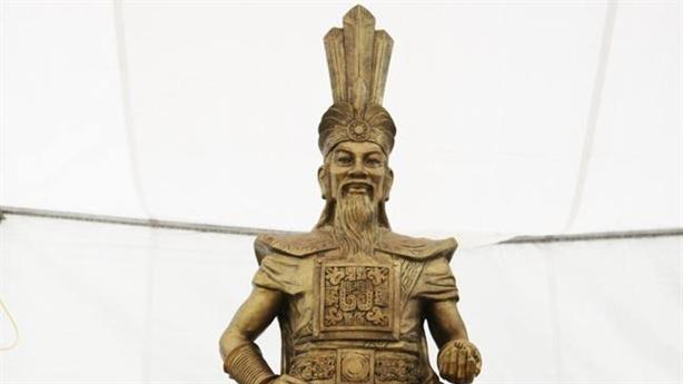 Dựng tượng Vua Hùng: Đừng để hao hao giống vua Trung Quốc