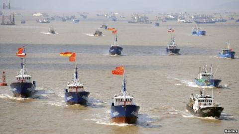Trung Quốc huấn luyện quân sự ngư dân, xua xuống Biển Đông