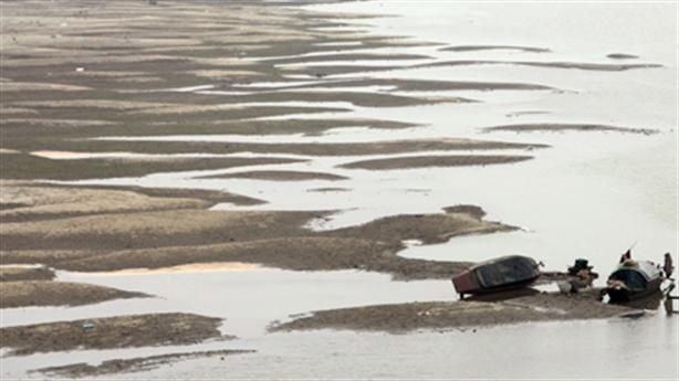 Xây đập ngăn sông Hồng: Không thực tế, tiền đem đổ biển