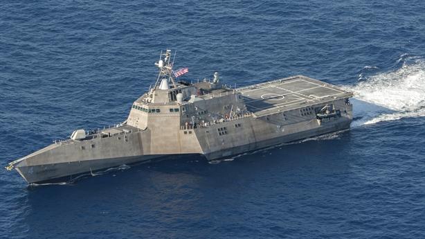 Siêu hạm USS Coronado Mỹ mang theo sát thủ chim lửa
