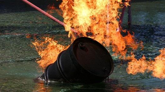Nga lập chuẩn dầu Urals: Tương lai sáng của đồng RUB?