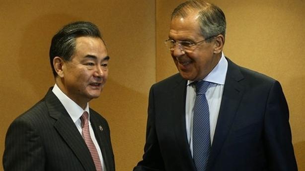 Nga chơi trò hai mặt với Trung Quốc trên Biển Đông?