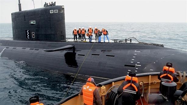 Nga hạ thủy tàu ngầm Varshavyanka sau 25 năm khởi đóng