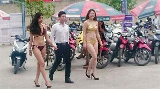 Thông tin mới vụ mặc bikini bán hàng ở Trần Anh