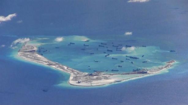 Mỹ điều tàu áp sát đá Chữ Thập: Trung Quốc chùn bước?