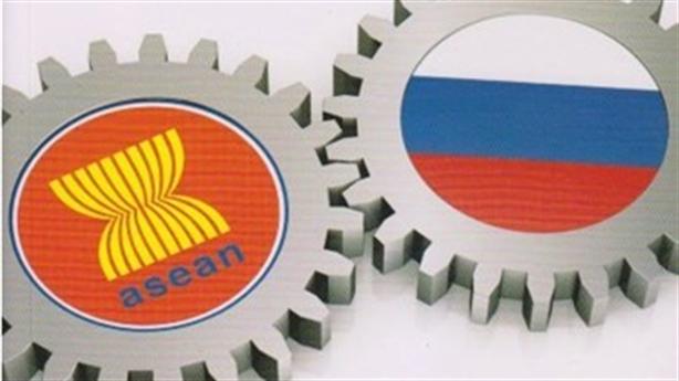 Đứng cạnh Trung Quốc, Nga vẫn cần Việt Nam và ASEAN