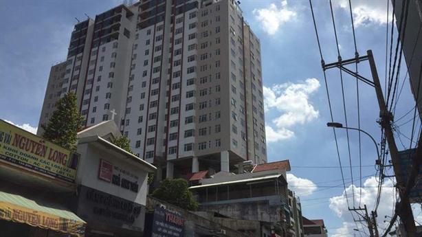 Bảy Hiền Tower: Mở điện trở lại cho cư dân... dọn nhà!