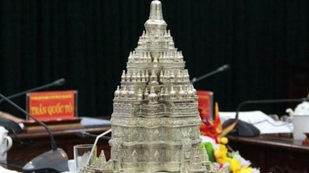 Tháp Phật giáo nhất thế giới: Thừa tiền hãy làm việc khác