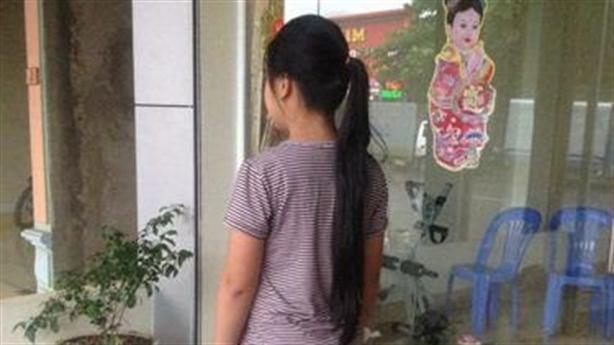 Lái trâu hiếp dâm bé gái 5 lần: Thông tin bàng hoàng