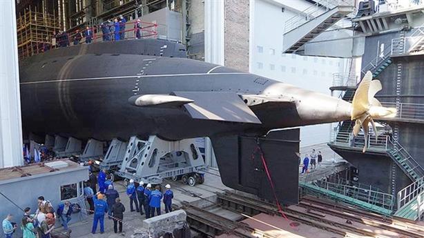 Ấn Độ sắp tự đóng tàu ngầm Kilo: Cách chơi với Nga
