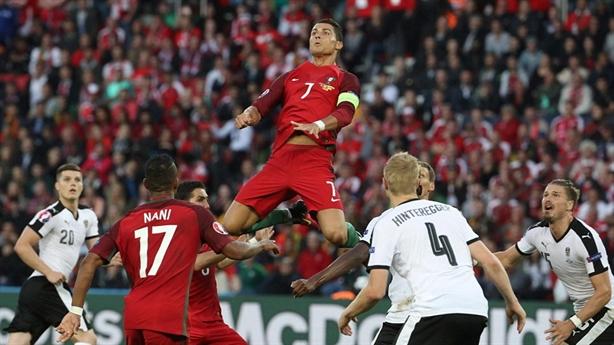 Nghịch lý Ronaldo và Bồ Đào Nha