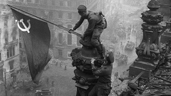 Không cần Anh-Mỹ, mình Liên Xô thừa sức đánh bại phát-xít Đức