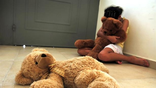 U50 đi du lịch, hại đời 66 trẻ em ngoại quốc
