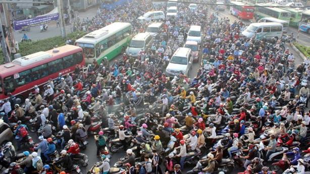 Hà Nội cấm xe máy năm 2025: Muốn dân ủng hộ thì...