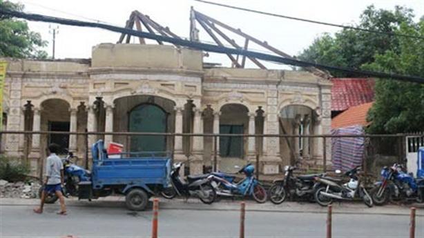 Tạm ngưng tháo dỡ căn biệt thự hơn 100 năm tuổi