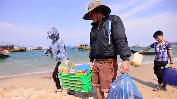 Xuất khẩu ngư dân khắc phục hậu quả Formosa: Câu hỏi khó