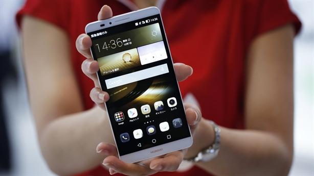 Smartphone Trung Quốc học làm sang, ra điện thoại đắt hơn iPhone