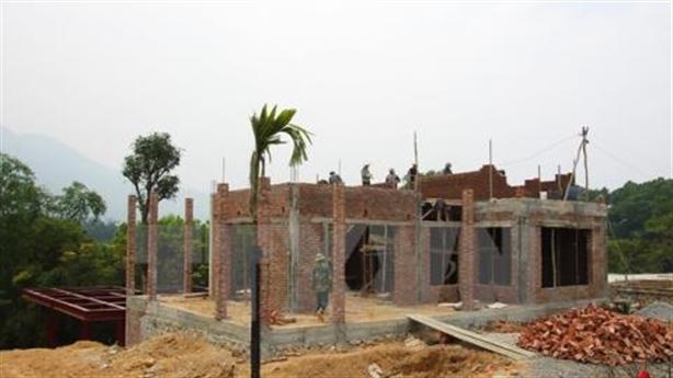Kiên quyết xử lý vi phạm đất đai, trật tự xây dựng