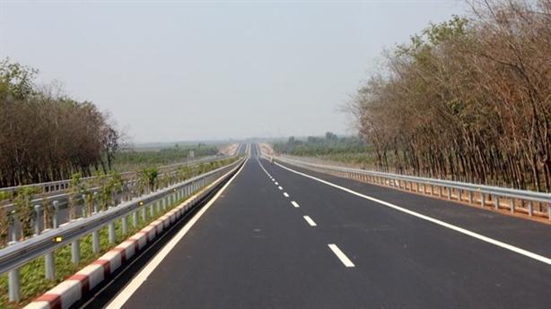 Vay tiền Trung Quốc làm cao tốc: Hỏi khó Bộ Giao thông