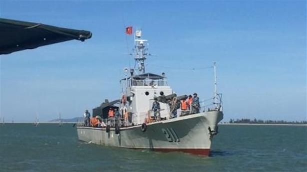 Hoàn thành trục vớt máy bay Su-30 rơi trên biển