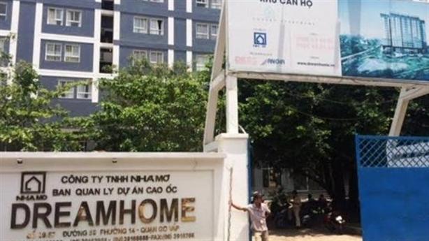Dream Home Luxury: Bàn giao nhà chưa hoàn thiện, sập giàn giáo