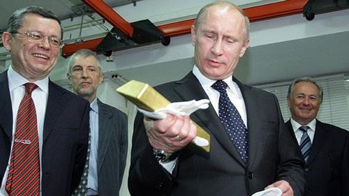 Nga âm thầm mua 14 tấn vàng mỗi tháng