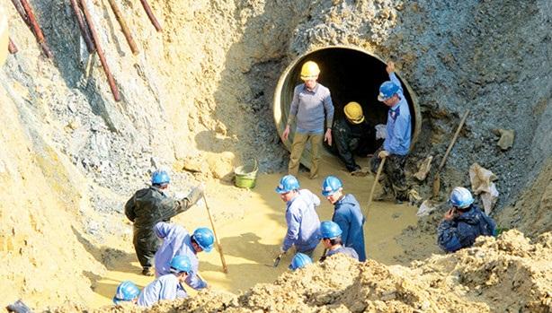 Nhà thầu Việt làm đường ống nước sông Đà: Gỡ nút thắt