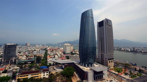 Trung tâm 2.000 tỷ Đà Nẵng: Bàn tay Trung Quốc lắp kính?