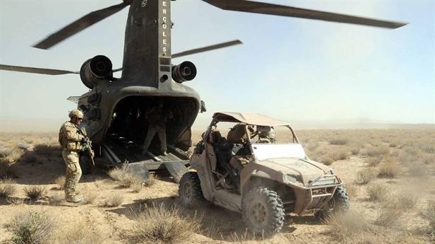 Trực thăng Nga - Mỹ khoe cơ bắp