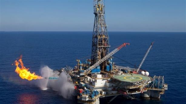 Lắp giàn khoan dầu khí với Iran, Nga đánh cược?