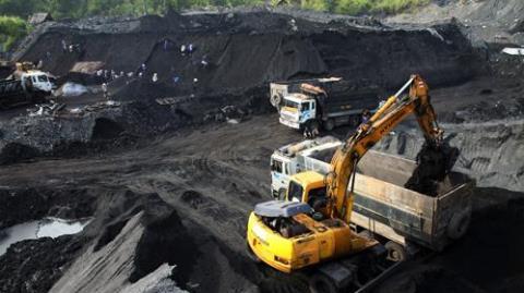 Việt Nam đào than thêm vài trăm năm: Con số mơ mộng