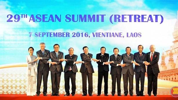 ASEAN-Trung Quốc nhất trí giảm nguy cơ va chạm trên Biển Đông