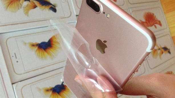 Trung Quốc hô biến iPhone 7: Người Việt vẫn mê hàng nhái?