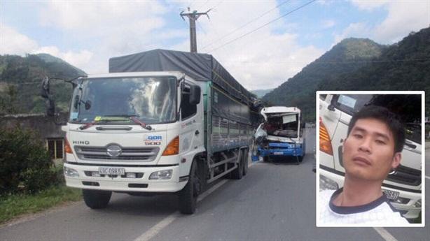 Xe tải dìu xe khách mất phanh: CSGT minh oan