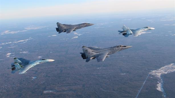 Ông lão MiG-31 có tầm giám sát gấp đôi F-22