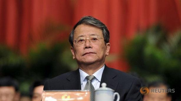 Trung Quốc truy tố anh em cùng nhau làm quan