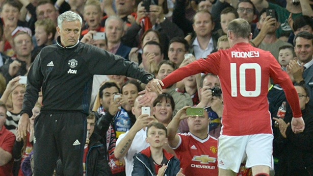 M.U thua thê thảm: Vì Mourinho quá chiều Rooney