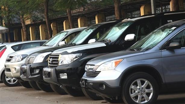 Khoán xe công theo giá taxi: Áp mức taxi nào?