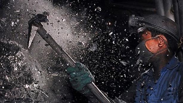 Việt Nam vỡ kế hoạch nhập than: Mua chính than Việt?