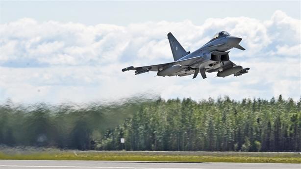 Anh chặn máy bay Nga trên biển Baltic: Mập mờ thời điểm