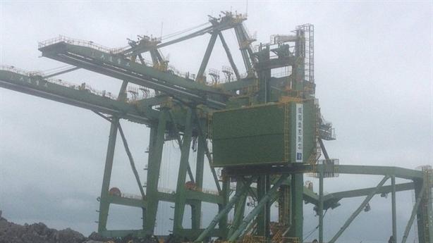 Ba giàn cẩu Formosa dạt bờ Quảng Bình: Formosa làm ẩu?