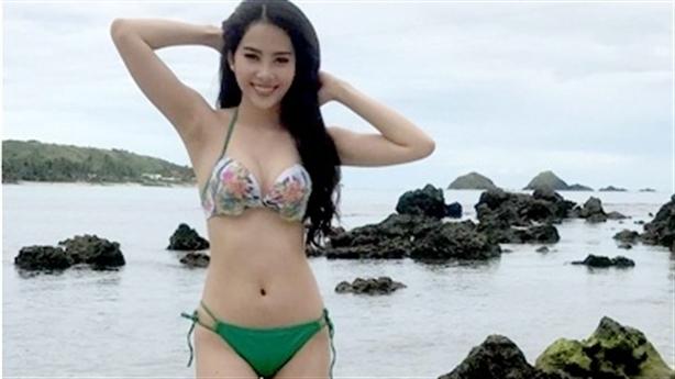 Miss Earth: Nam Em diện bikini sexy trên báo Philippines
