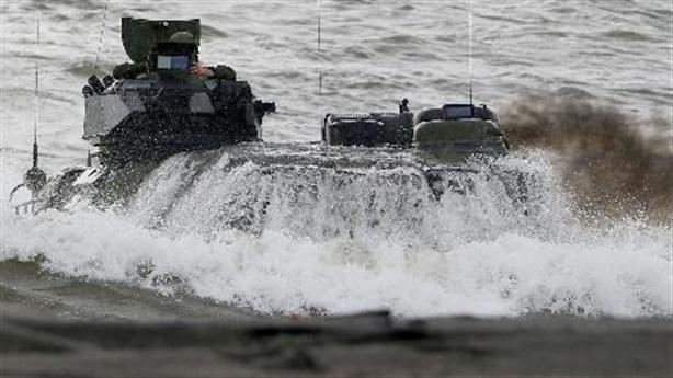 Philippines mượn tập trận bóc mẽ Mỹ