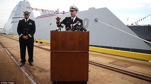 Hình ảnh chiến hạm DDG-1000 ngày nhập ngũ
