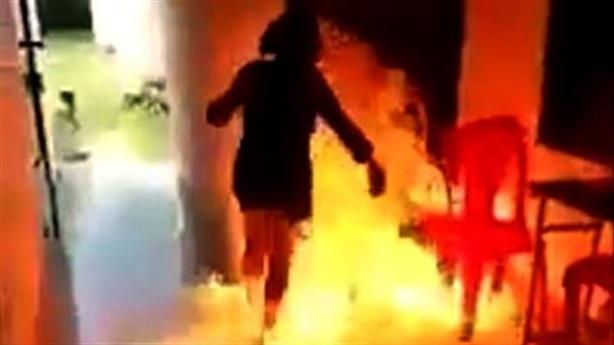 Sống ảo trên Facebook: Vì sao thiếu nữ dám đốt trường?