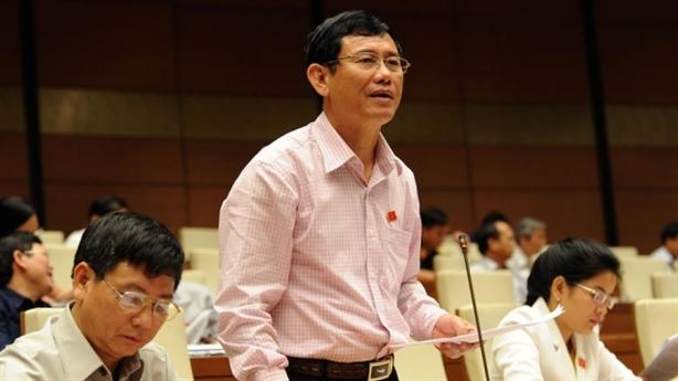 Dùng dự trữ ngoại hối xử nợ xấu: Việt Nam không giàu