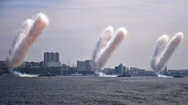 Hải quân Nga phô diễn sức