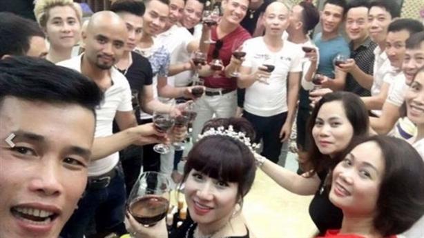 Đại gia Thái Bình mời 50 ngôi sao đến dự sinh nhật