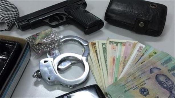 Cướp ở khu Ciputra: Gửi điện thoại xịn về cho vợ