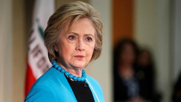 Lựa chọn đàng hoàng của bà Hillary sau thất bại